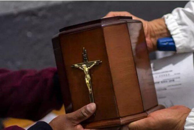 REPATRIARÁN CENIZAS DE 700 MEXICANOS FALLECIDOS POR COVID-19 EN NY