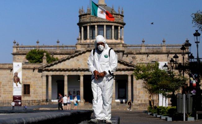 PIDE LÓPEZ-GATELL NO COMPARAR CIFRAS DE MUERTES EN MÉXICO CON OTROS PAÍSES