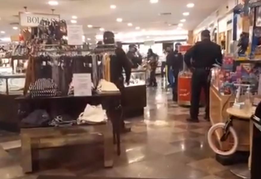 VIDEO: ASALTAN SANBORNS EN AZCAPOTZALCO Y SE LLEVAN JOYERÍA