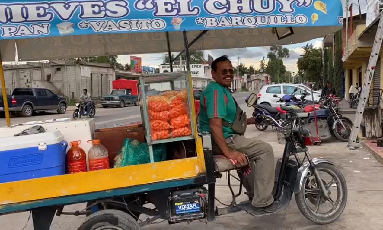 """ÉL ES DON CHUY Y SU FAMOSA """"NIEVE EN PAN"""" EN TEQUIXQUIAC"""