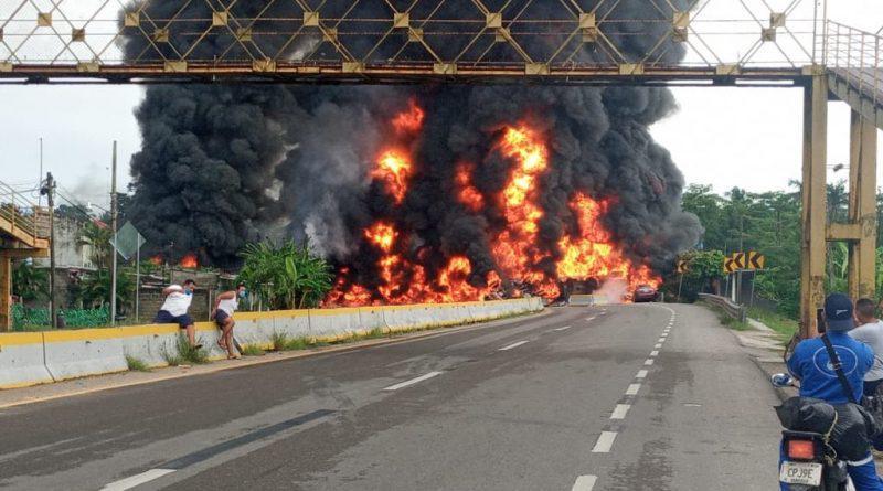 EXPLOTA PIPA Y DEJA CUATRO MUERTOS EN TABASCO