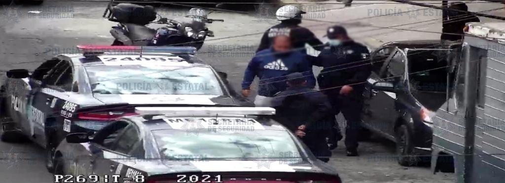 SECRETARÍA DE SEGURIDAD RECUPERAR UN VEHÍCULO CON REPORTE DE ROBO