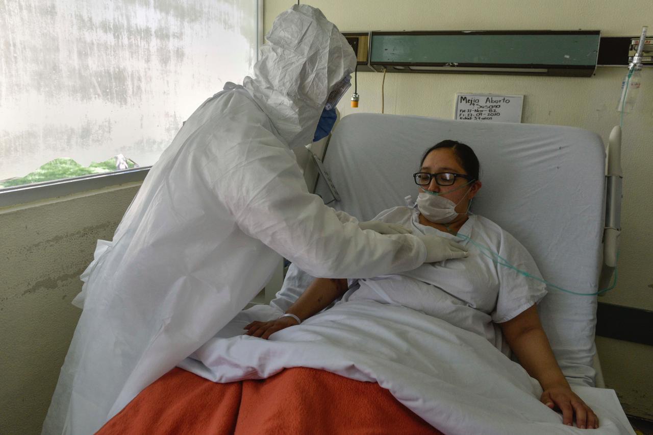 """BRINDA HOSPITAL """"NICOLÁS SAN JUAN"""" INHALOTERAPIA Y REHABILITACIÓN PULMONAR A PACIENTES COVID"""