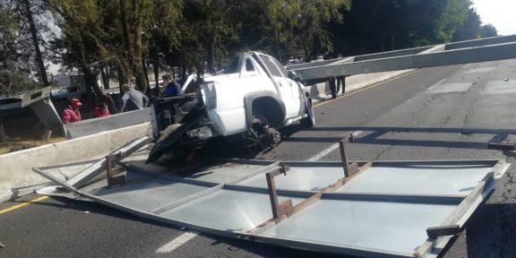 ACCIDENTE AUTOMOVILÍSTICO EN TOLUCA DEJA UN LESIONADO