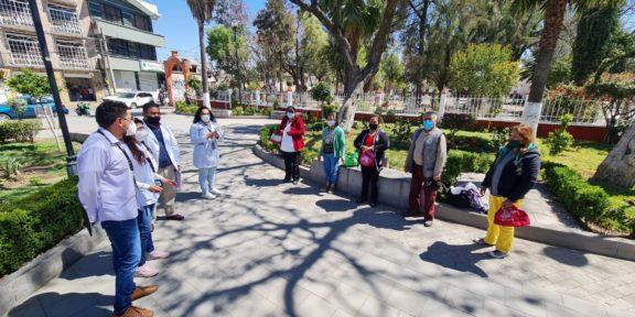 REALIZAN BRIGADA MULTIDISCIPLINARIA DE PROMOCIÓN A LA SALUD A PERSONAS ADULTAS MAYORES