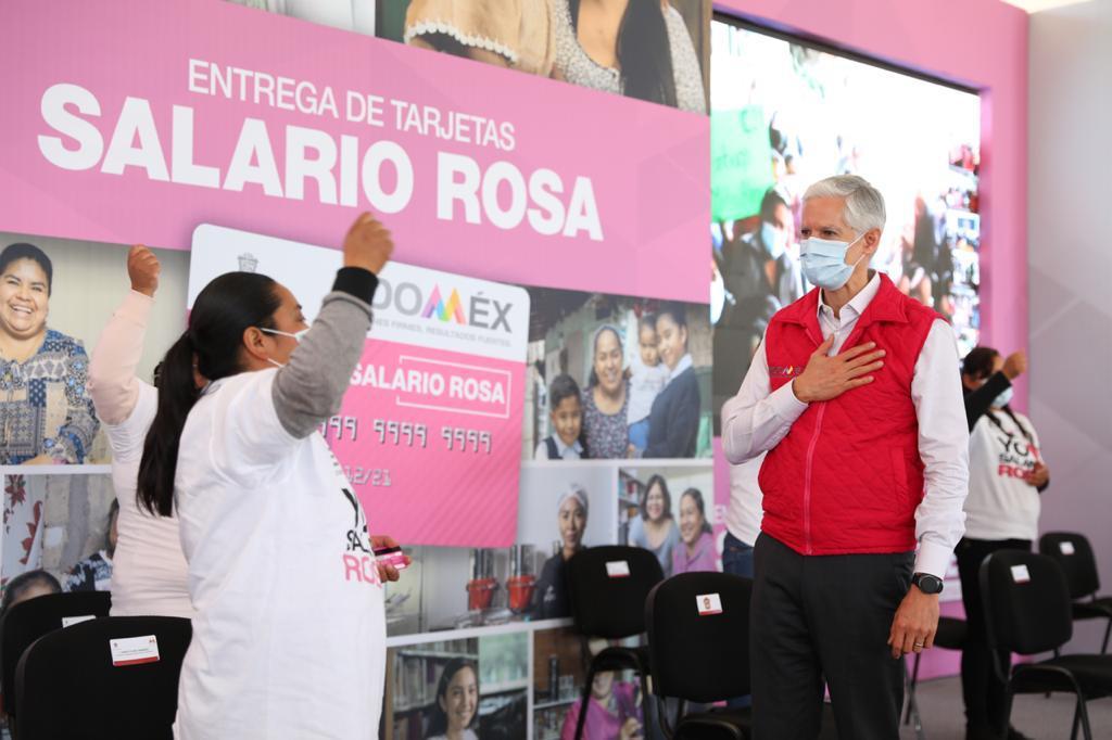 MUJERES MEXIQUENSES RECIBEN TARJETAS DEL SALARIO ROSA EN SAN MATEO ATENCO