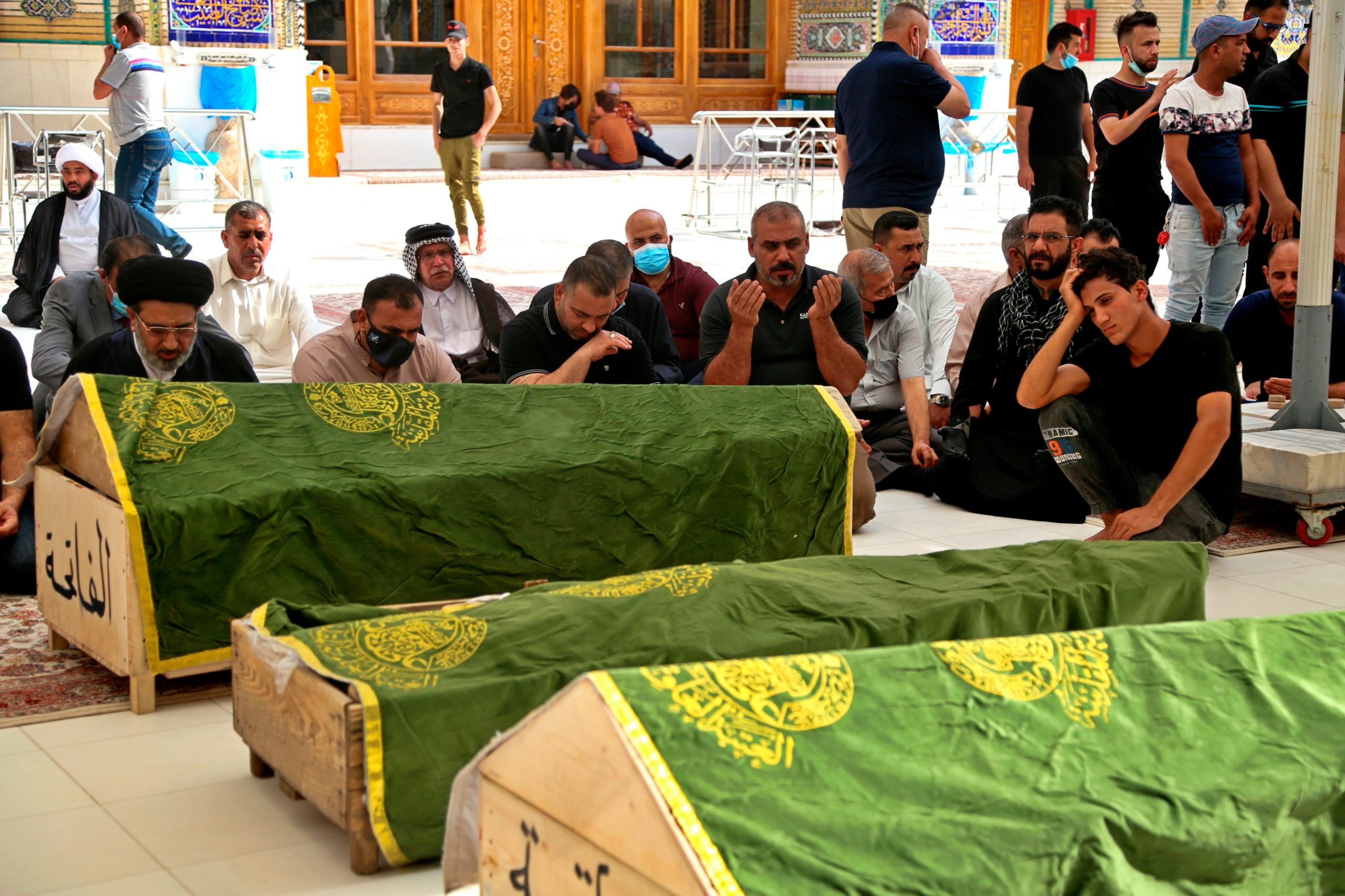 HAY AL MENOS 82 MUERTOS TRAS INCENDIO DE HOSPITAL EN IRAK
