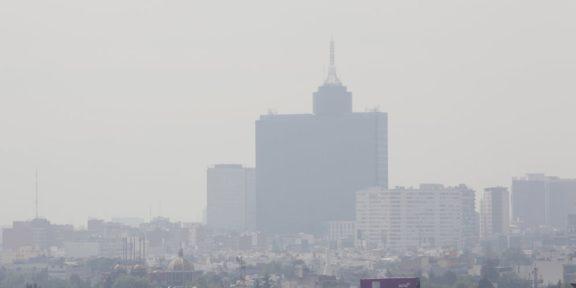 """DECRETAN CONTINGENCIA AMBIENTAL EN EL VALLE DE MÉXICO; ACTIVAN DOBLE """"HOY NO CIRCULA"""""""