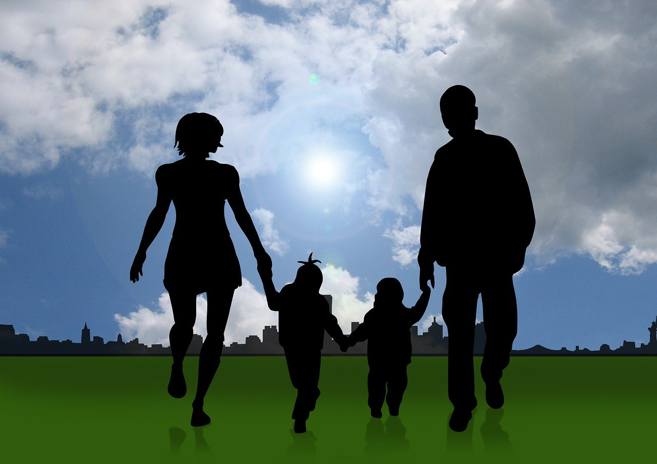 ¿CÓMO HAN CAMBIADO LAS FAMILIAS CON EL PASAR DE LOS AÑOS?