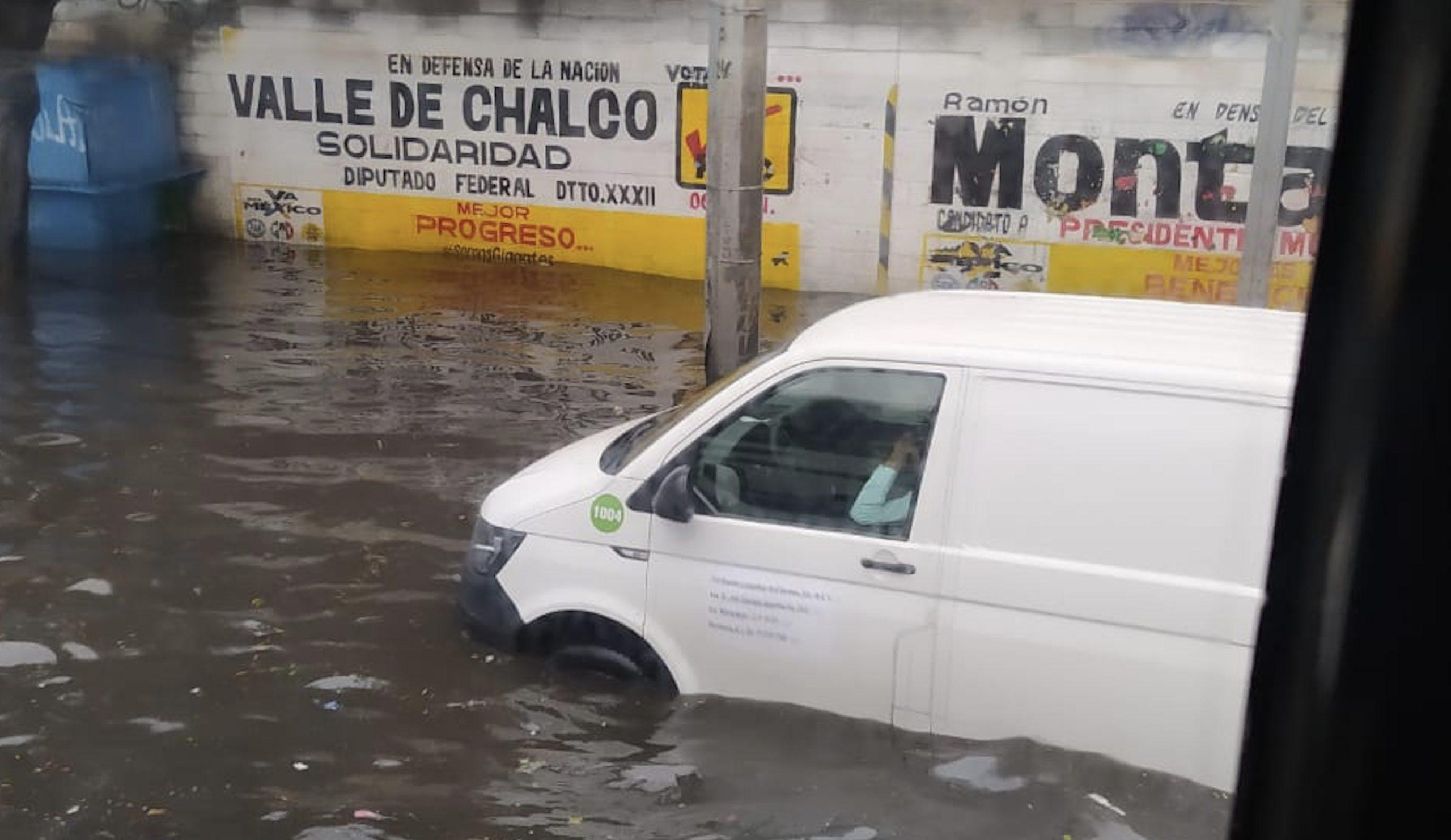 LLUVIA PROVOCA SEVERAS INUNDACIONES EN LA AUTOPISTA MÉXICO-PUEBLA