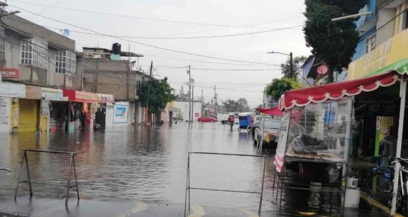 LLUVIAS PROVOCAN INUNDACIONES EN ECATEPEC