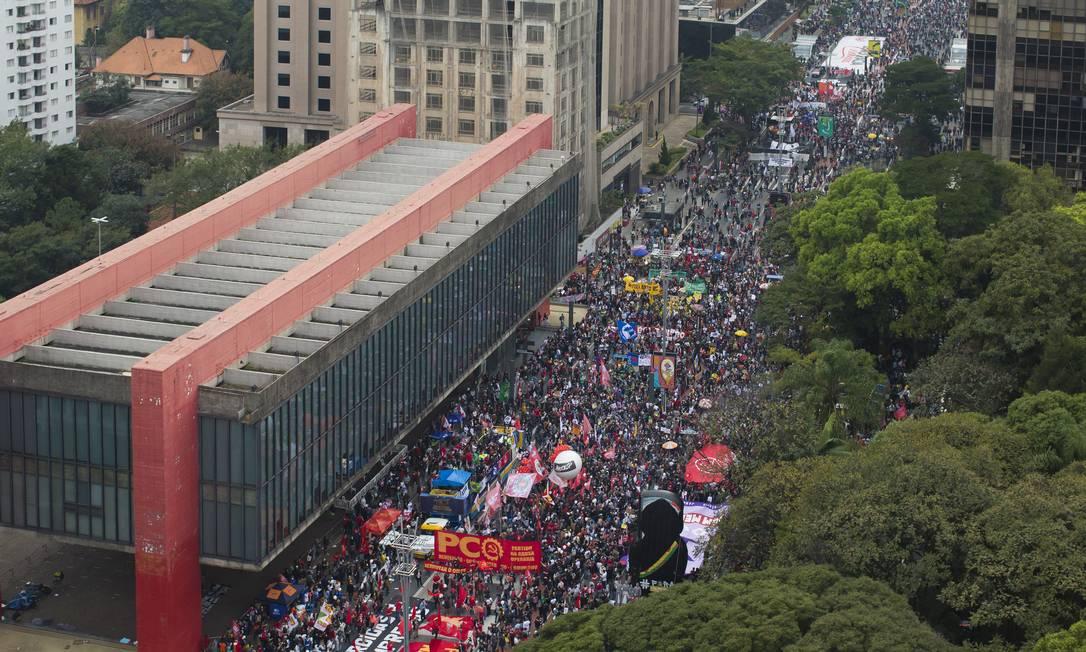 IZQUIERDA BRASILEÑA TOMA LAS CALLES PARA PROTESTAR EN CONTRA DE BOLSONARO